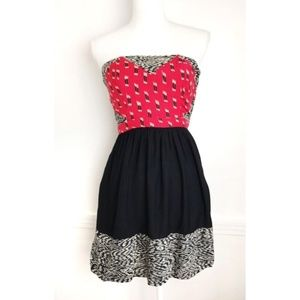 Silence & Noise Aztec Strapless Red / Black Dress